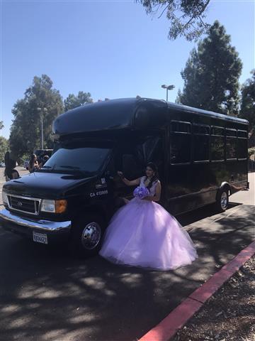 Hummer Escalade party bus 95$ image 1
