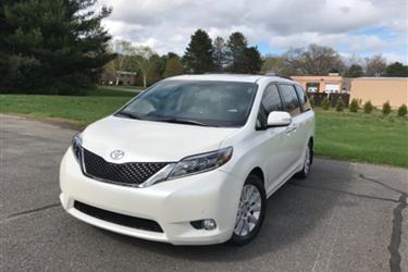 2014 Toyota Sienna LIMITED en Los Angeles County