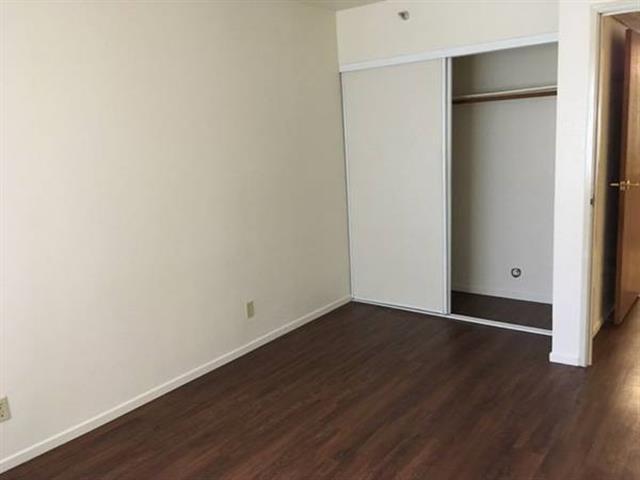 Santa Paulan Apartments image 2