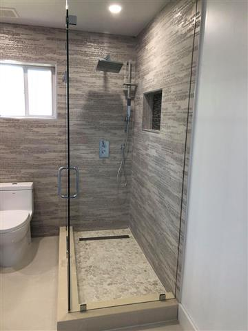 Yordi shower glass & Mirror image 4